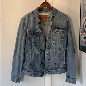 Vintage Levi's distressed jean jacket